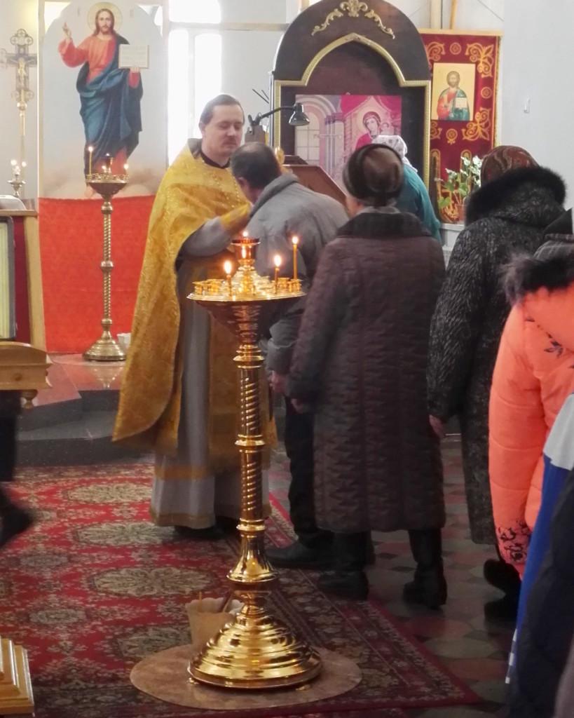 Гости из Черкизовского психоневрологического интерната в Покровском храме села Никульское